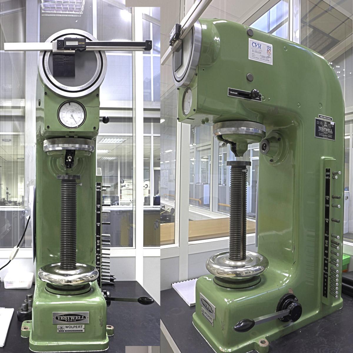 Machine d'essais de dureté
